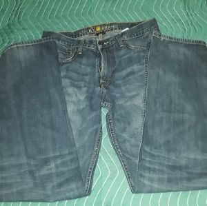 LUCKY BRAND 32-34 STRAIGHT jeans